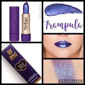 LE Too Faced Metallic Sparkle Lipstick- Trampula